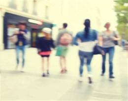 blurred的图片释义。 如果您认为该图片不合适,可以上传新图片来帮助我们改进