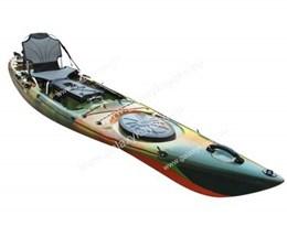 kayaks的图片释义。 如果您认为该图片不合适,可以上传新图片来帮助我们改进