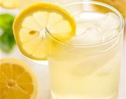 lemonade的图片释义。 如果您认为该图片不合适,可以上传新图片来帮助我们改进